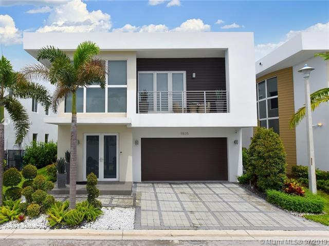 9835 NW 75th Ter, Miami, FL 33178 (MLS #A10705794) :: Grove Properties
