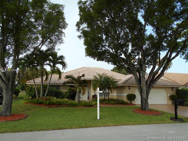 7924 NW 83rd St, Tamarac, FL 33321 (MLS #A10705898) :: Green Realty Properties