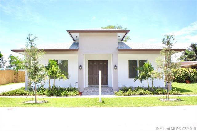 5860 SW 39 Court, Davie, FL 33314 (MLS #A10706102) :: Grove Properties