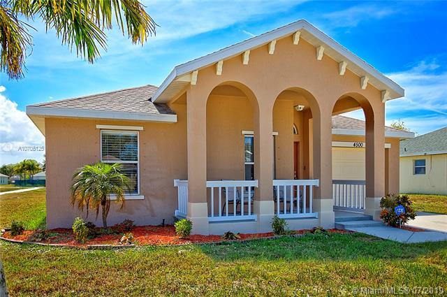 4500 SE Murray Cove Cir, Stuart, FL 34997 (MLS #A10706125) :: RE/MAX Presidential Real Estate Group