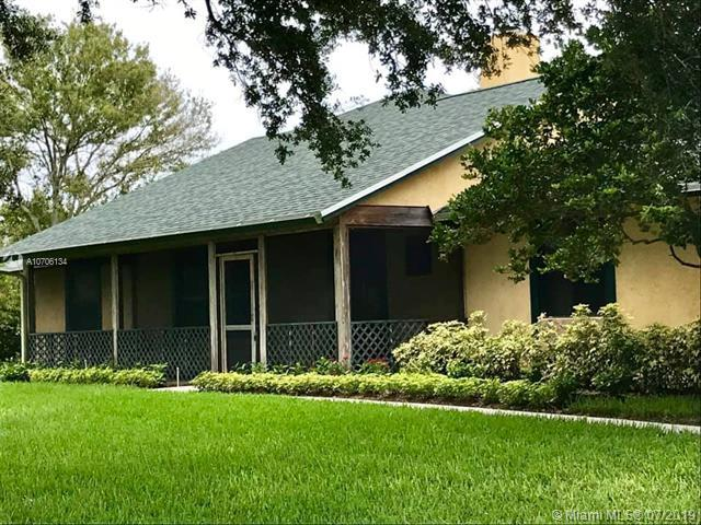 8942 Arrowhead Dr, Lake Worth, FL 33467 (MLS #A10706134) :: The Jack Coden Group