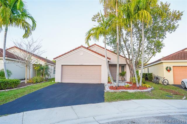 1367 Plumosa Way, Weston, FL 33327 (MLS #A10706159) :: The Jack Coden Group