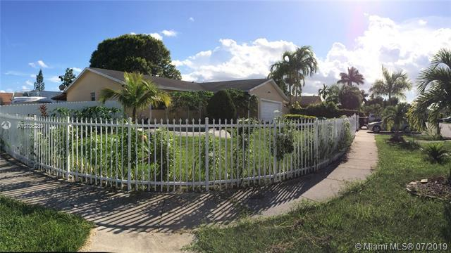 Homestead, FL 33033 :: Grove Properties