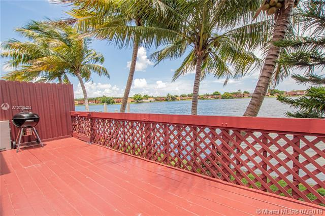 341 NW 109 AVE 2C, Miami, FL 33172 (MLS #A10706404) :: The Edge Group at Keller Williams