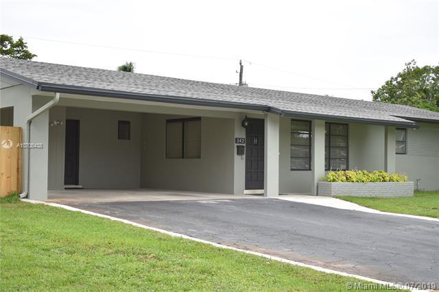 142 SW 52nd Ter, Plantation, FL 33317 (MLS #A10706438) :: Grove Properties
