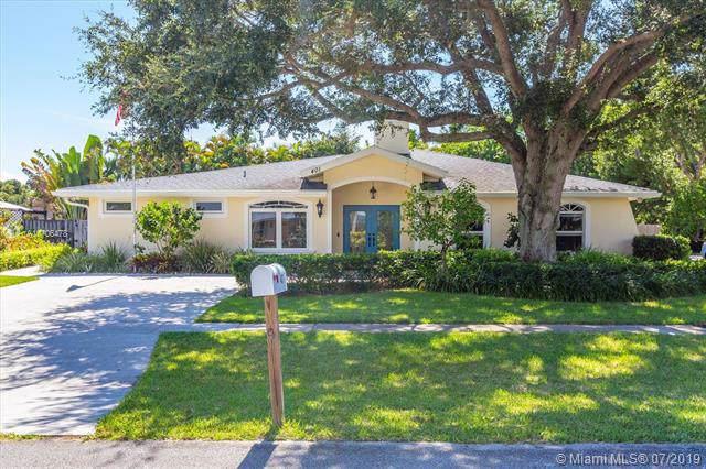401 Douglas Dr, Jupiter, FL 33458 (MLS #A10706478) :: Grove Properties