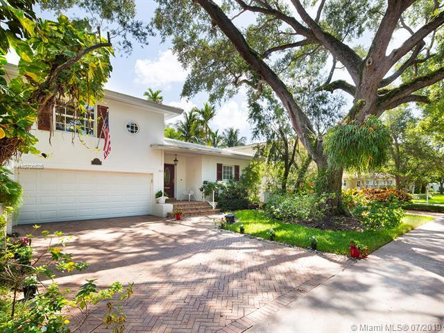 911 Andres Ave, Coral Gables, FL 33134 (MLS #A10706536) :: The Maria Murdock Group