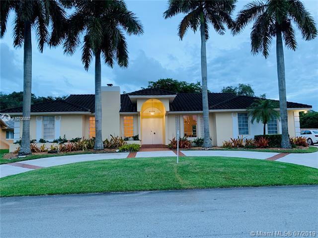 8250 SW 180th St, Palmetto Bay, FL 33157 (MLS #A10706587) :: Berkshire Hathaway HomeServices EWM Realty