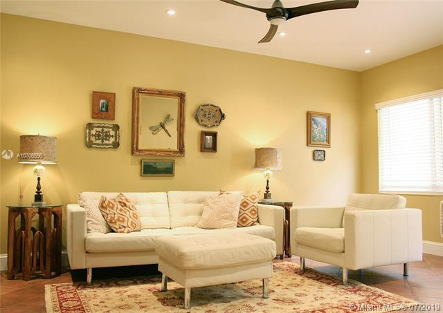 1050 Pennsylvania Ave #9, Miami Beach, FL 33139 (MLS #A10706596) :: Berkshire Hathaway HomeServices EWM Realty