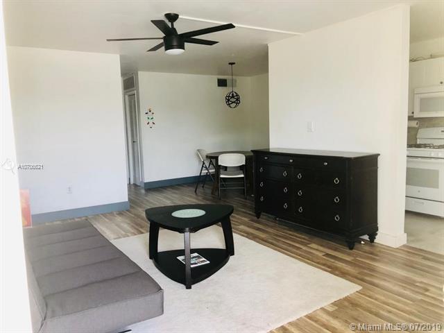 160 NE 203rd Ter #28, Miami Gardens, FL 33179 (MLS #A10706621) :: Green Realty Properties