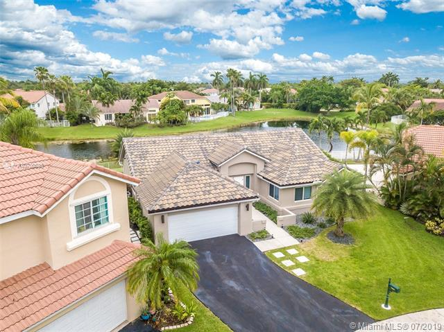 1085 Capistrano, Weston, FL 33326 (MLS #A10706630) :: Berkshire Hathaway HomeServices EWM Realty