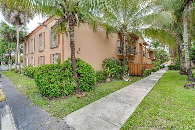7110 Fairway Dr L20, Miami Lakes, FL 33014 (MLS #A10706673) :: Berkshire Hathaway HomeServices EWM Realty