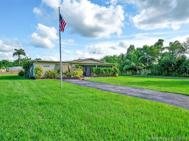 15430 SW 260th St, Homestead, FL 33032 (MLS #A10706705) :: Grove Properties