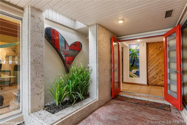 16871 SW 80 CT, Palmetto Bay, FL 33157 (MLS #A10706767) :: Berkshire Hathaway HomeServices EWM Realty