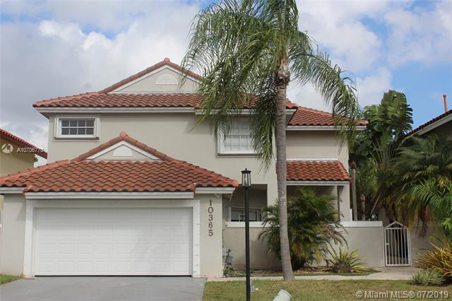 10365 NW 48th St, Doral, FL 33178 (MLS #A10706773) :: Berkshire Hathaway HomeServices EWM Realty