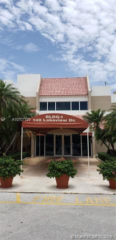 140 Lakeview Dr #203, Weston, FL 33326 (MLS #A10707129) :: The Edge Group at Keller Williams