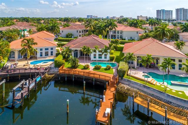 938 Sanibel Drive, Hollywood, FL 33019 (MLS #A10707162) :: Castelli Real Estate Services