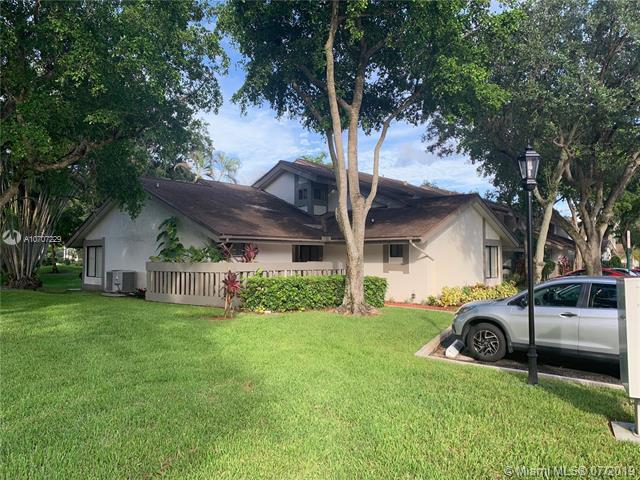 9367 SW 1st St #808, Plantation, FL 33324 (MLS #A10707229) :: RE/MAX Presidential Real Estate Group