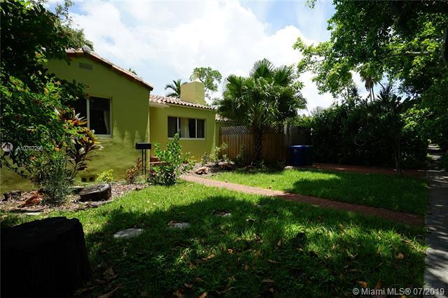 3621 SW 3rd Ave, Miami, FL 33145 (MLS #A10707296) :: Grove Properties