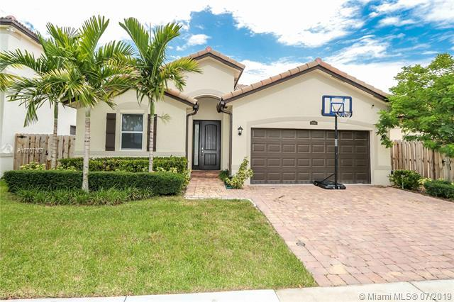25364 SW 120th Ave, Miami, FL 33032 (MLS #A10707367) :: RE/MAX Presidential Real Estate Group