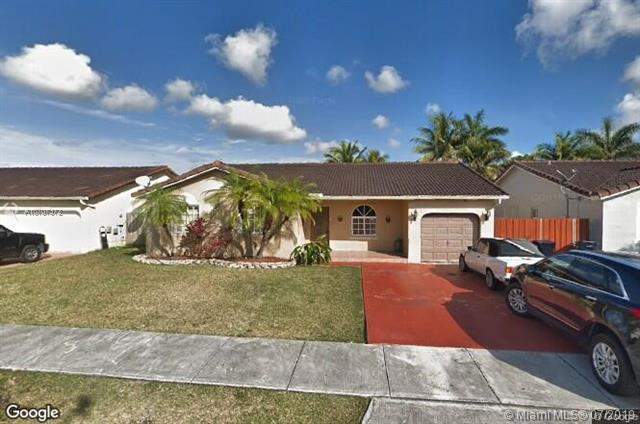 18025 SW 154th Pl, Miami, FL 33187 (MLS #A10707372) :: RE/MAX Presidential Real Estate Group