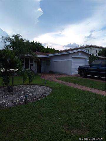 3491 NW 39th Ave, Lauderdale Lakes, FL 33309 (MLS #A10707446) :: The Rose Harris Group