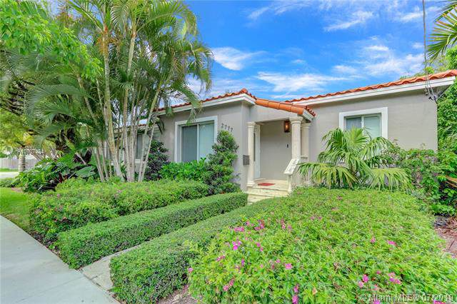 2777 Calusa St, Coconut Grove, FL 33133 (MLS #A10707484) :: The Teri Arbogast Team at Keller Williams Partners SW