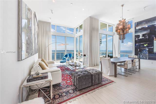 218 SE 14th St Ph3, Miami, FL 33131 (MLS #A10707540) :: Berkshire Hathaway HomeServices EWM Realty