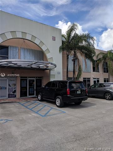 7754 NW 46th St #27, Doral, FL 33166 (MLS #A10707549) :: The Edge Group at Keller Williams