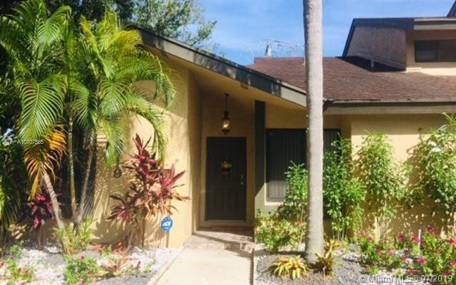 8719 Cleary Blvd #8719, Plantation, FL 33324 (MLS #A10707565) :: The Edge Group at Keller Williams