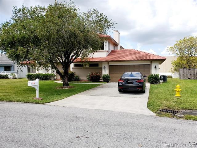 6511 Ridgelock Ct, Davie, FL 33331 (MLS #A10707678) :: Castelli Real Estate Services