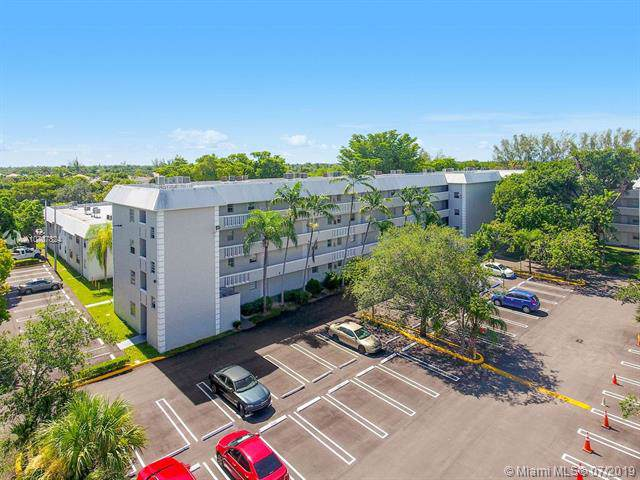 17255 SW 95th Ave #247, Palmetto Bay, FL 33157 (MLS #A10707824) :: Grove Properties