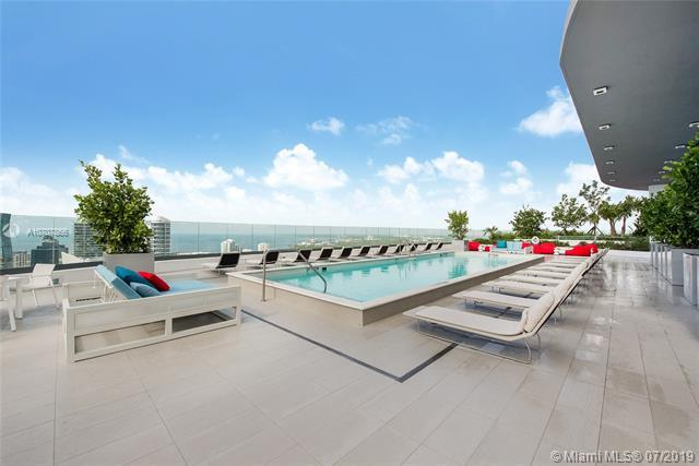 45 SW 9th St #2107, Miami, FL 33130 (MLS #A10707866) :: Ray De Leon with One Sotheby's International Realty