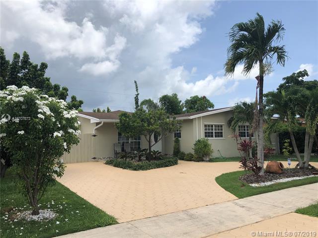 12231 SW 191st St, Miami, FL 33177 (MLS #A10707873) :: Berkshire Hathaway HomeServices EWM Realty
