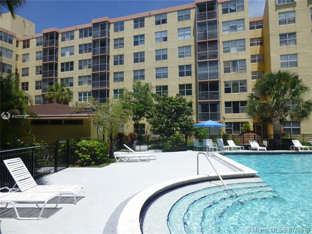 Miami, FL 33160 :: The Riley Smith Group