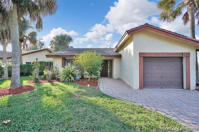 1690 Riverwood, Coral Springs, FL 33071 (MLS #A10708086) :: The Paiz Group