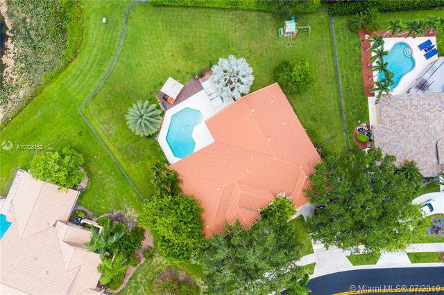 420 Sabal Way, Weston, FL 33326 (MLS #A10708153) :: The Riley Smith Group