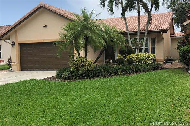 1539 NW 97th Ter, Coral Springs, FL 33071 (MLS #A10708241) :: The Teri Arbogast Team at Keller Williams Partners SW