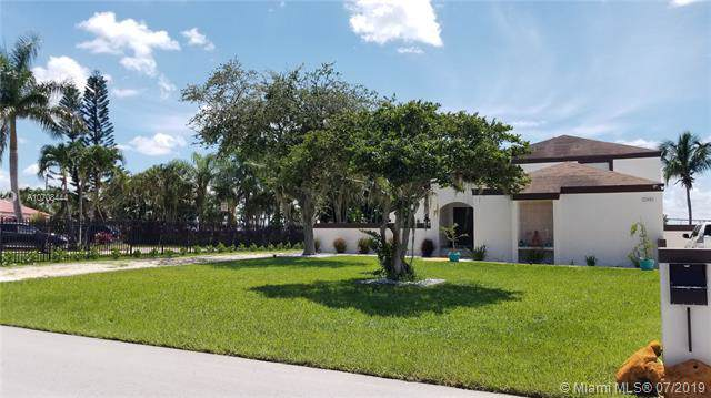 15440 SW 156th Ave, Miami, FL 33187 (MLS #A10708444) :: The Jack Coden Group