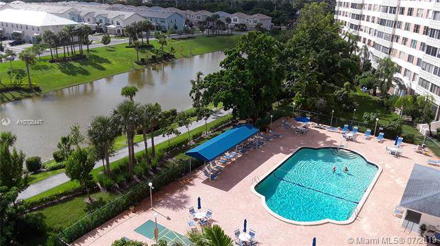 4001 Hillcrest Dr #712, Hollywood, FL 33021 (MLS #A10708447) :: Grove Properties