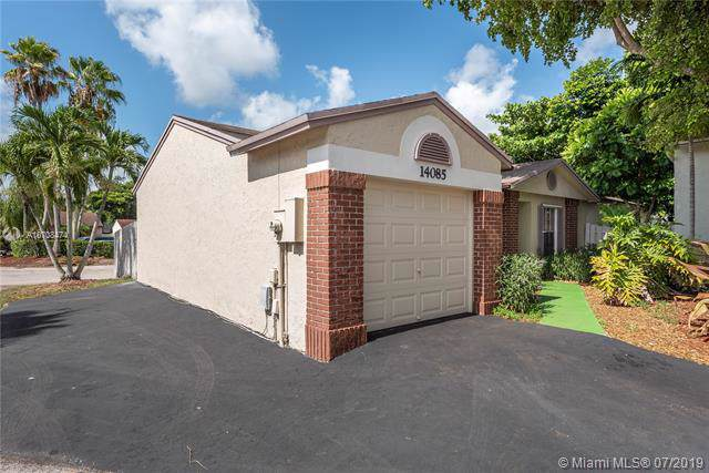 14085 Langley Pl, Davie, FL 33325 (MLS #A10708474) :: The Paiz Group