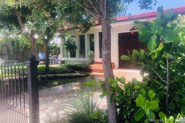 1615 N Lakeside Dr, Lake Worth, FL 33460 (MLS #A10708493) :: The Jack Coden Group