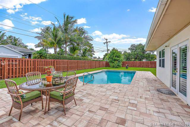2482 E Hope Ln, Palm Beach Gardens, FL 33410 (MLS #A10708496) :: The Teri Arbogast Team at Keller Williams Partners SW