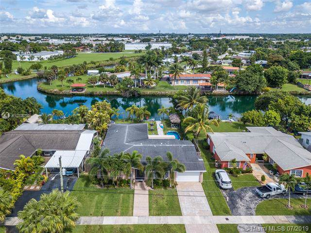 19210 Bel Aire Dr, Cutler Bay, FL 33157 (MLS #A10708733) :: Berkshire Hathaway HomeServices EWM Realty