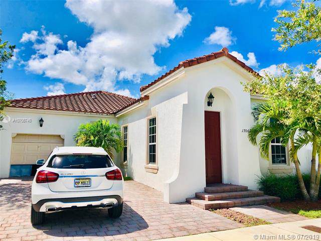 17062 SW 91st Ter, Miami, FL 33196 (MLS #A10708743) :: Ray De Leon with One Sotheby's International Realty