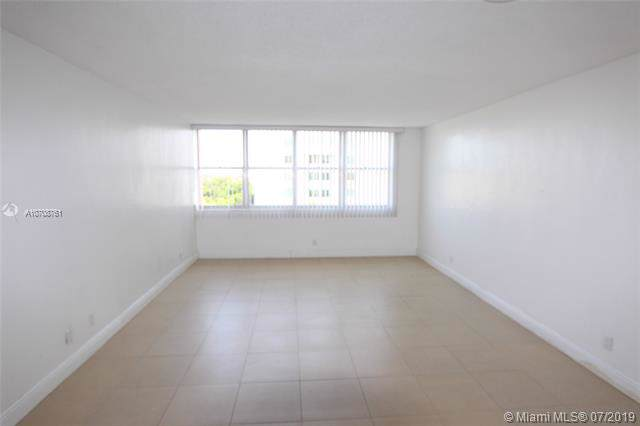 9001 SW 77th Ave, Miami, FL 33156 (MLS #A10708761) :: Berkshire Hathaway HomeServices EWM Realty