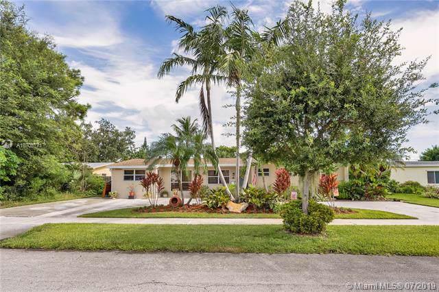 10105 Nicaragua Dr, Cutler Bay, FL 33189 (MLS #A10708771) :: Berkshire Hathaway HomeServices EWM Realty