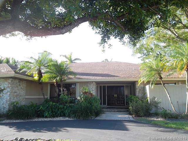 10345 SW 128th Ter, Miami, FL 33176 (MLS #A10708777) :: Grove Properties