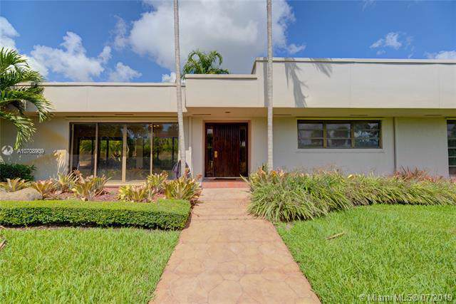 8840 SW 92nd Ave, Miami, FL 33176 (MLS #A10708909) :: Berkshire Hathaway HomeServices EWM Realty