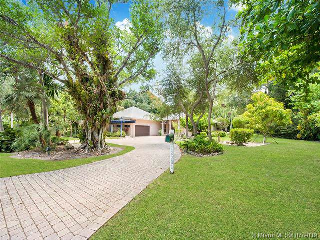 12201 SW 62nd Ave, Pinecrest, FL 33156 (MLS #A10709031) :: Grove Properties